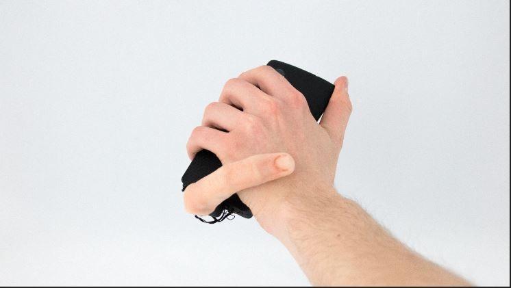 Dedo-robô para celular.  (Foto: Marcteyssier)