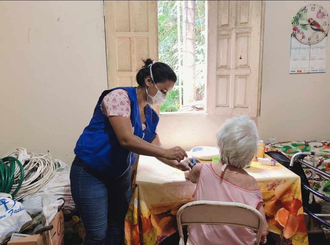 Mais de 105 mil idosos são vacinados contra a gripe em Manaus; trabalhadores da saúde recebem vacina a partir desta terça