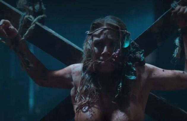 Bruna (Mariana Ximenes) foi torturada e estuprada pelo vilão de 'Supermax' (Foto: Reprodução)