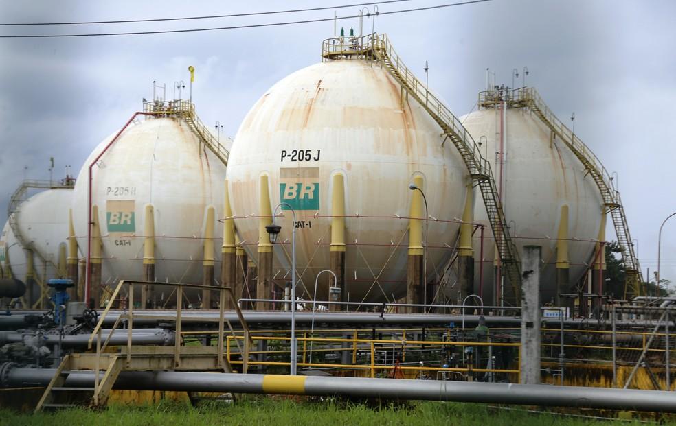Refinaria Presidente Bernardes (RPBC), da Petrobras, em Cubatão, SP (Foto: José Claudio Pimentel/G1)