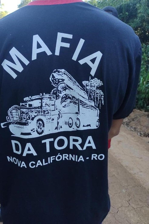 Menor usava uma blusa de um grupo de Nova Califórnia, em Rondônia — Foto: Arquivo/Batalhão de Policiamento Ambiental