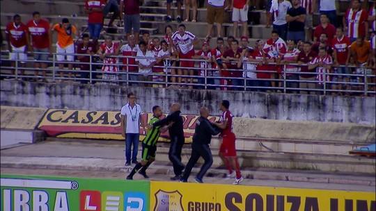 Bill e Zé Carlos pegam gancho de nove partidas por briga em Maceió