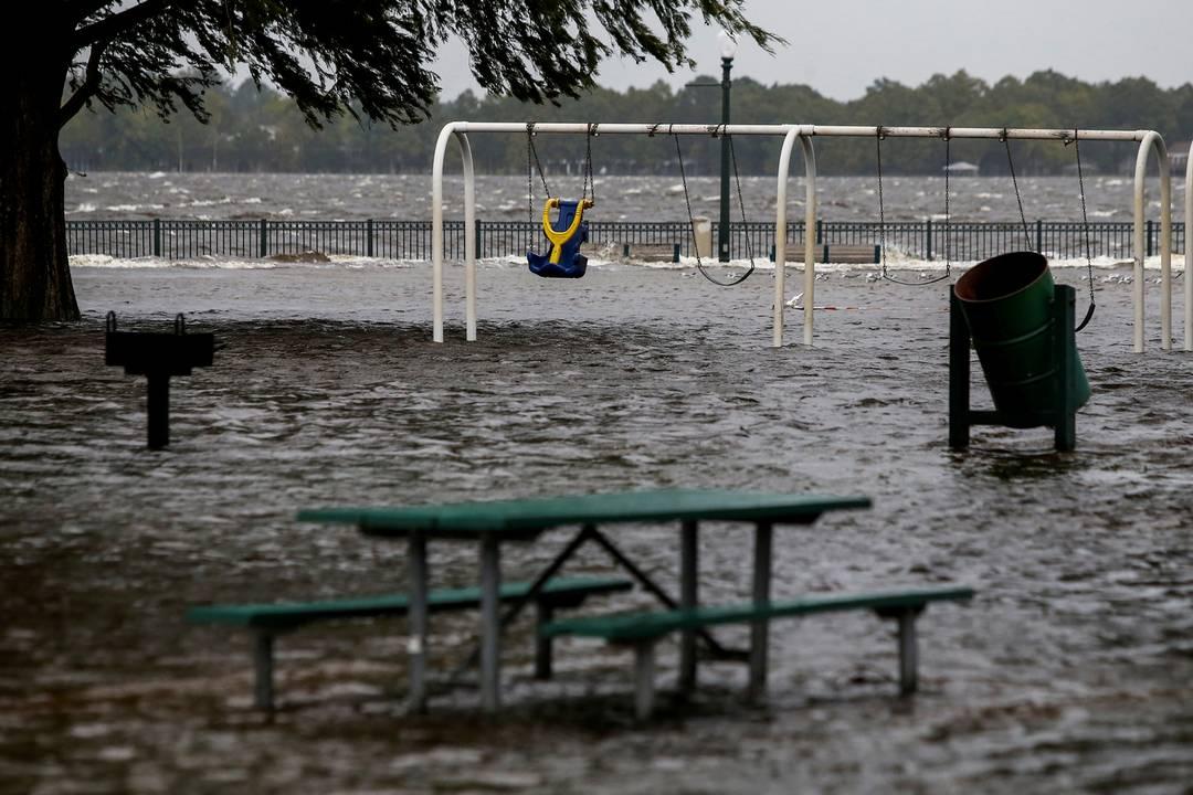 Parque inundado em consequência do furacãoFlorenceem New Bern, na Carolina do Norte