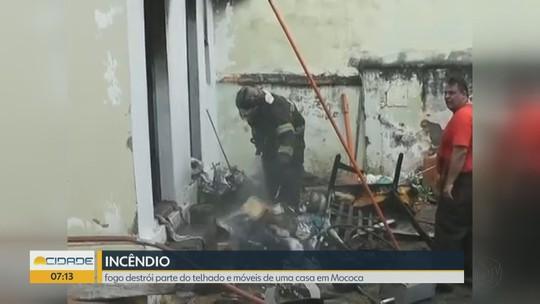 Idoso de 70 anos perde tudo após casa pegar fogo em Mococa, SP