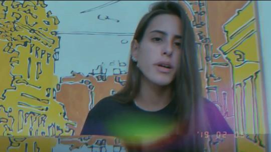 Ana Morais, filha de Gloria Pires e Orlando Morais, solta a voz e faz sucesso na web