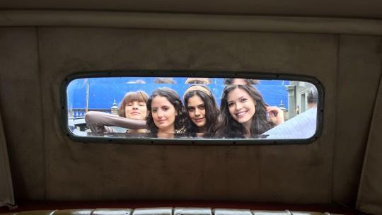 Vitória Strada e Jessika Alves mostram bastidores de 'Tempo de Amar' ao lado de Amanda de Godói e Giulia Gayoso