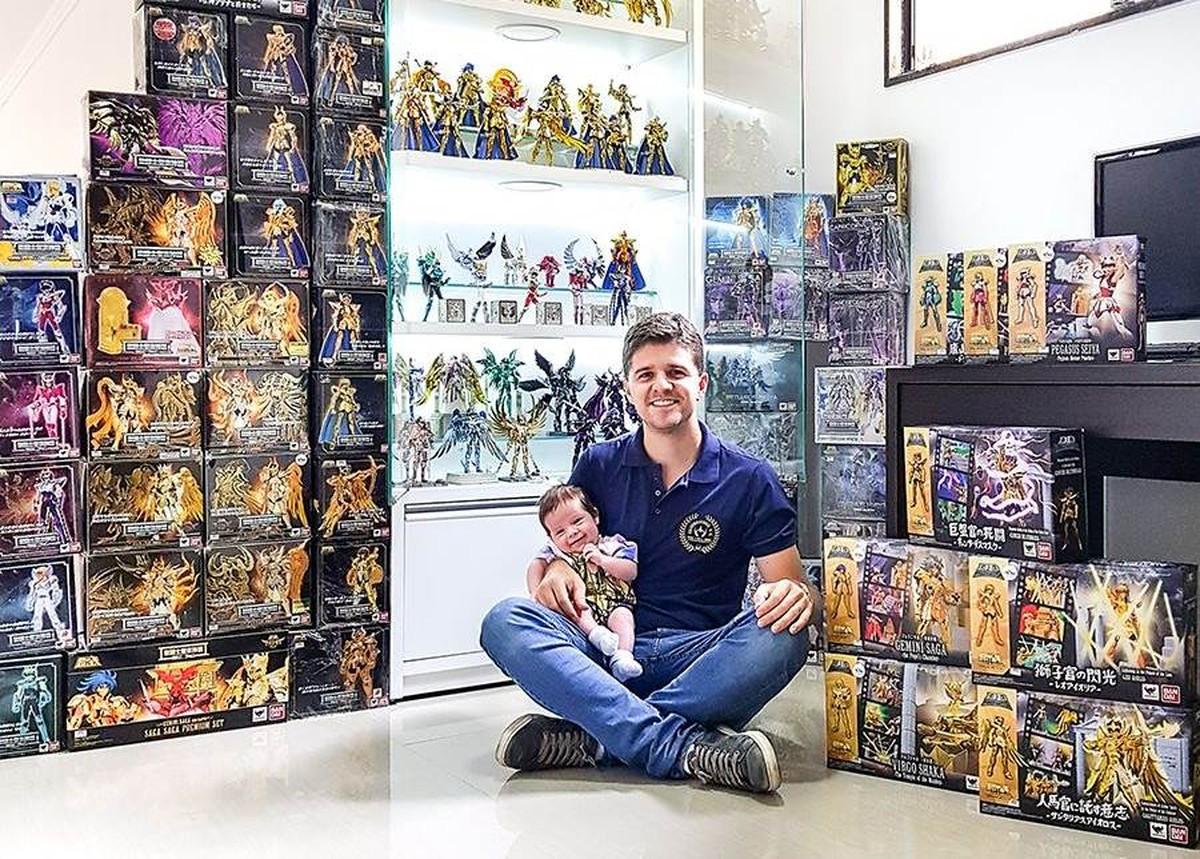 Fã, empresário de PE tem itens de até R$ 2 mil em coleção dos Cavaleiros do Zodíaco