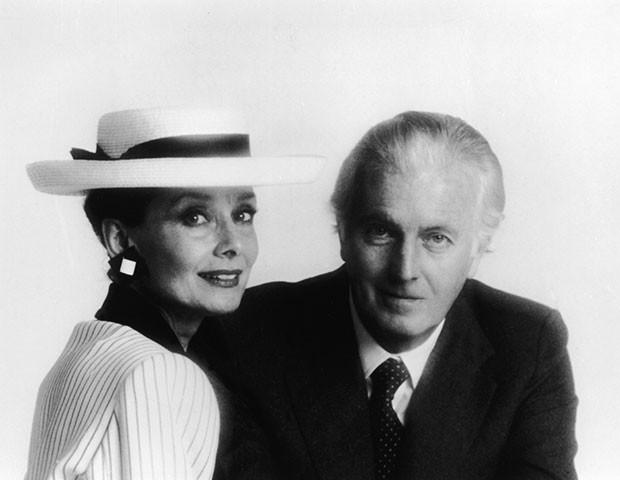 Hubert de Givenchy com Audrey Hepburn (Foto: Getty Images)