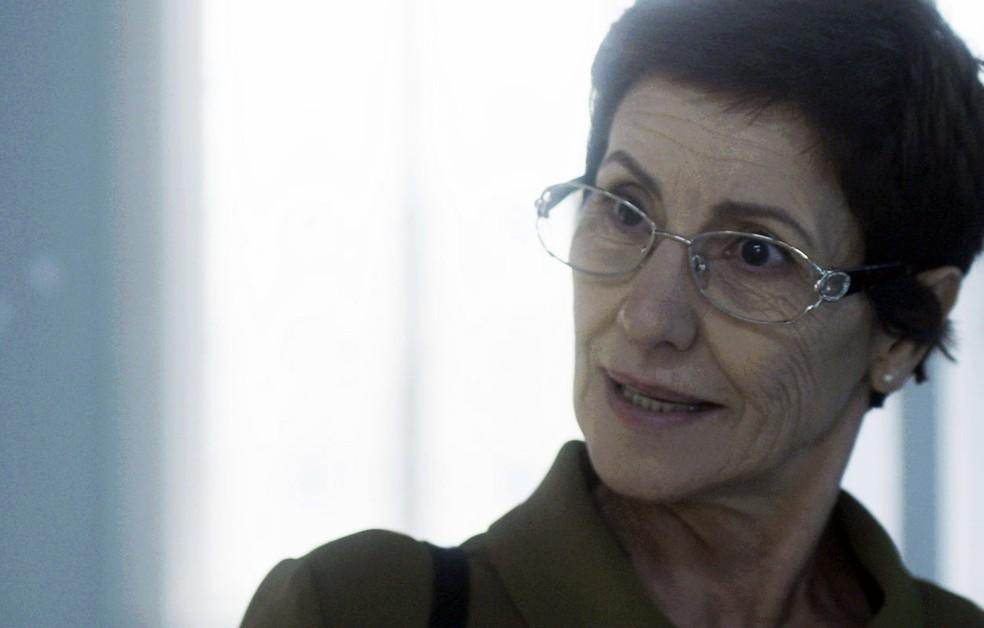 Vera pergunta se Kiki não vai permitir sua visita (Foto: TV Globo)