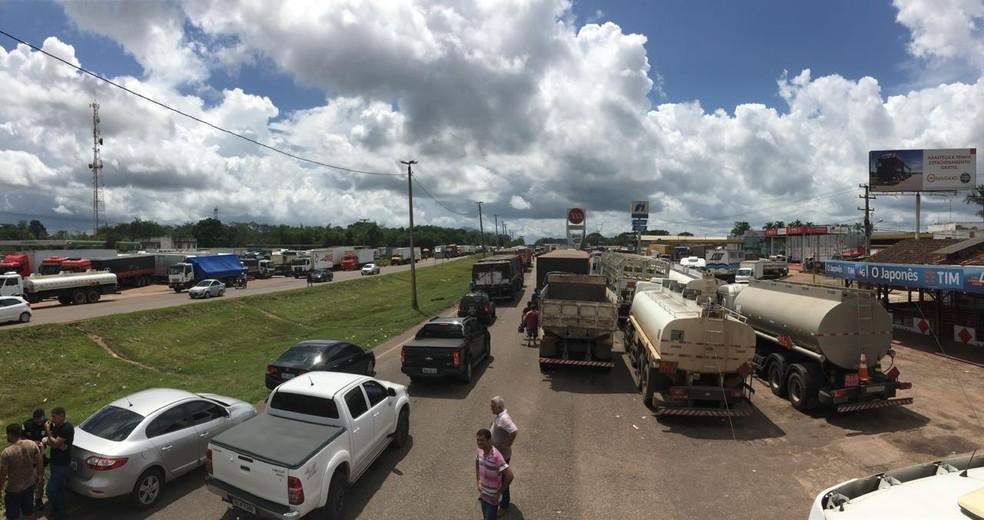 Caminhoneiros decidem liberar BR-316 após pressões da Justiça. (Foto: Reprodução / PRF)