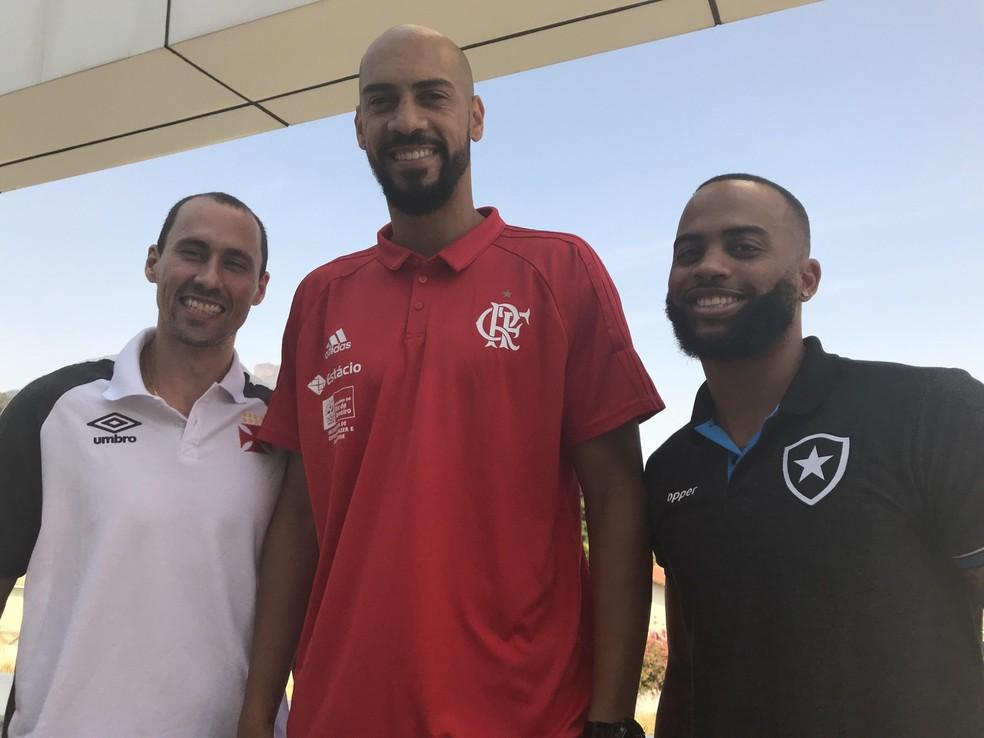 Fúlvio, Marquinhos e Jamaal lamentam o fato do NBB não ter a presença das duas torcidas em clássicos cariocas (Foto: Thierry Gozzer)