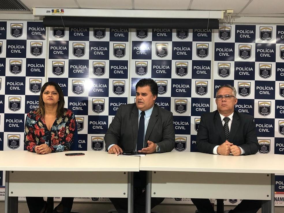 Polícia Civil diuvlgou informações sobre a investigação do caso em coletiva de imprensa nesta terça (10) no Recife (Foto: Marina Meireles/G1)