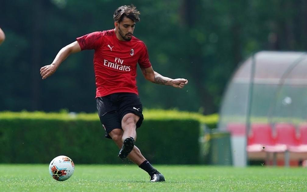 Lucas Paquetá durante treino do Milan — Foto: Divulgação/Milan