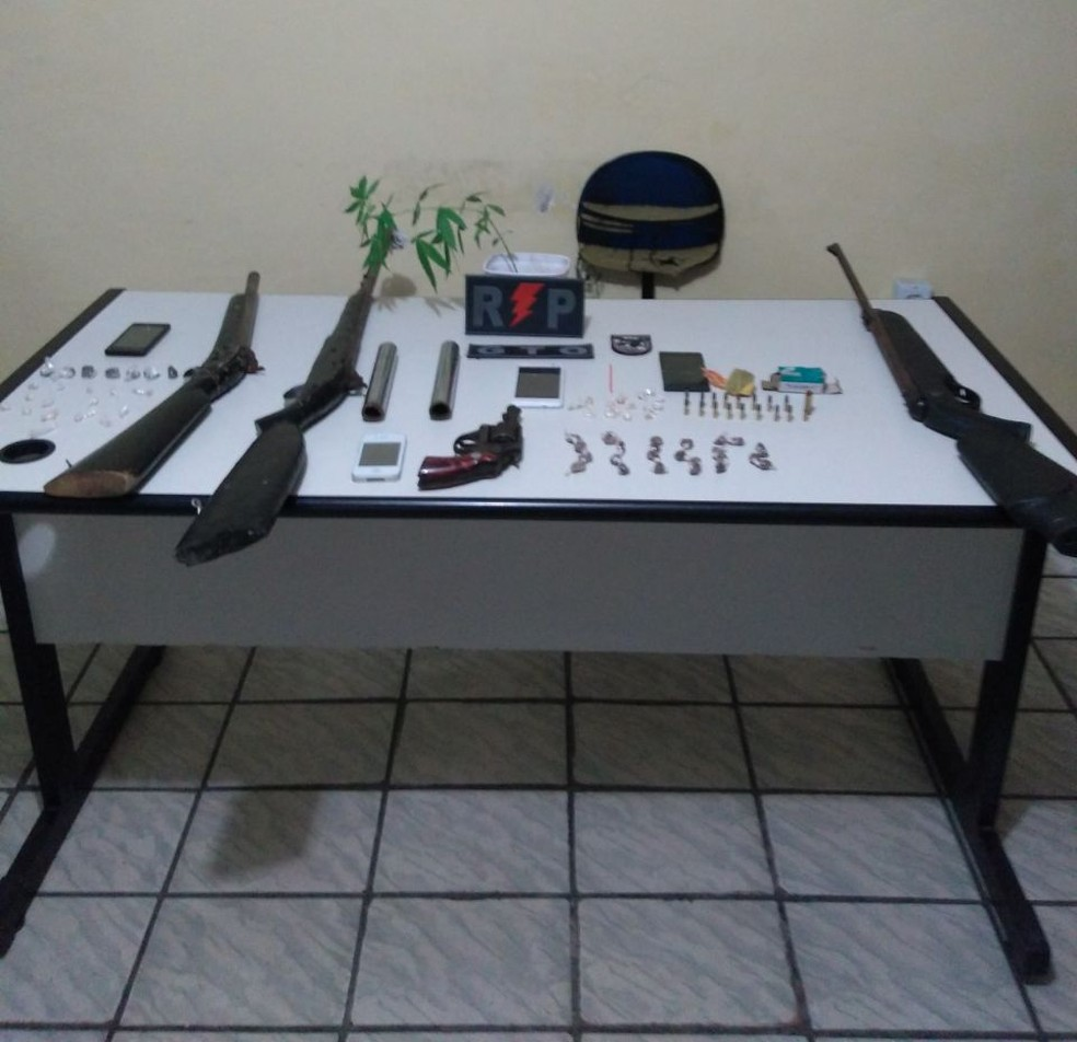 Operação entre as polícias Civil e Militar do RN resultou em prisões e apreensões de armas e drogas (Foto: Divulgação/PM)