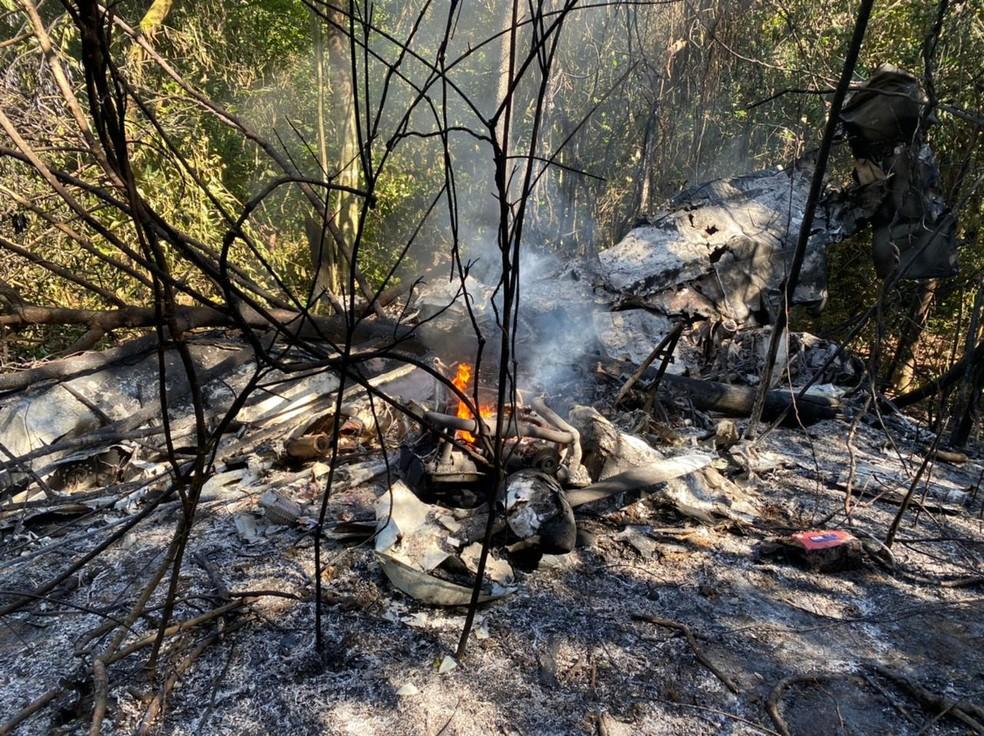Avião de pequeno porte caiu em Guarapari — Foto: Divulgação/Corpo de Bombeiros