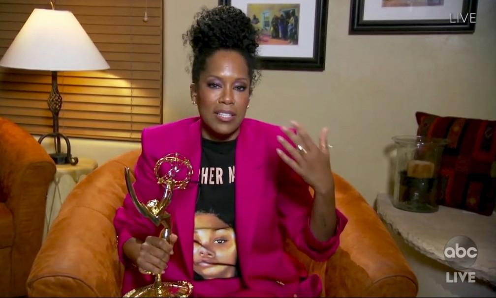 Regina King agradece o Emmy por 'Watchmen' — Foto: The Television Academy e ABC Entertainment/AP