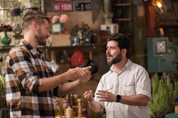 Rodrigo Hilbert e Marcelo Fernandes em episódio do Tempero de Família (Foto: Ney Coelho)