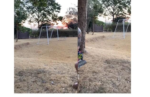 A casa tem ainda um campo de futebol (Foto: Reprodução)