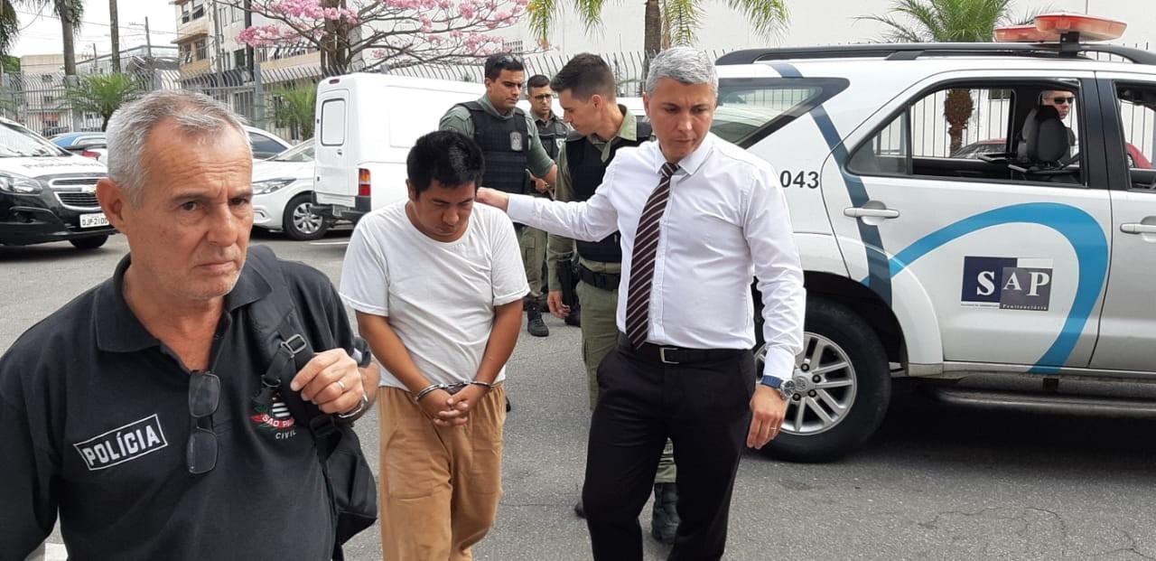 Polícia faz reconstituição de morte de família boliviana; corpos foram achados em malas e sacos de lixo em casa de Itaquaquecetuba - Notícias - Plantão Diário