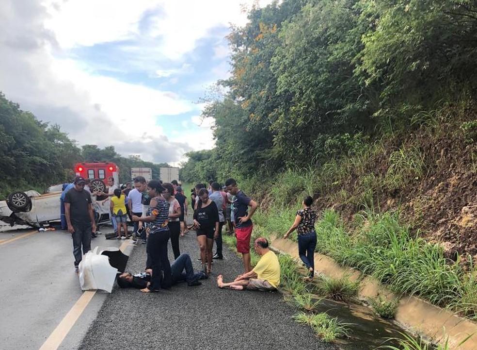 Vítimas foram socorridas pelo Samu — Foto: Divulgação