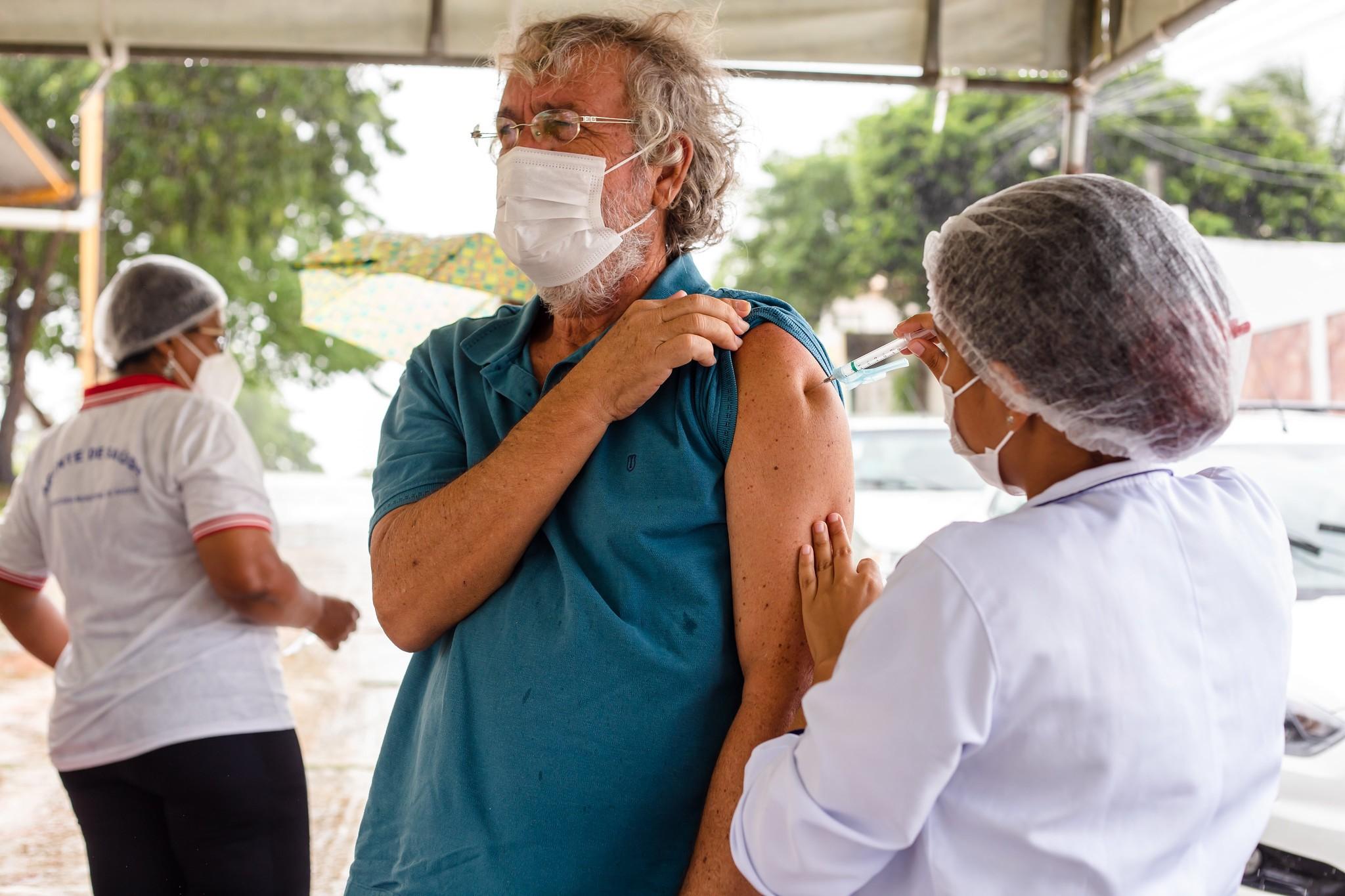 Aplicação da 2ª dose de CoronaVac é retomada em Lauro de Freitas no sábado e domingo, após chegada de novos imunizantes