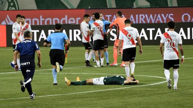 Palmeirenses exaustos após fim do jogo