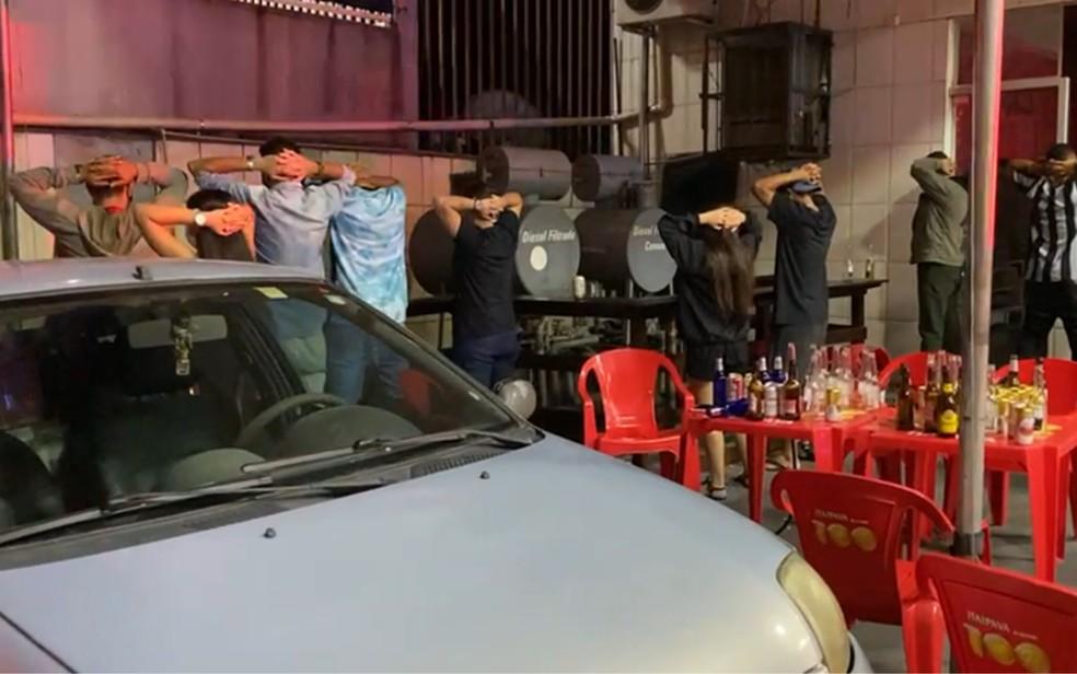 Festa clandestina e posto de combustíveis de Goiânia  — Foto: Amma/Divulgação
