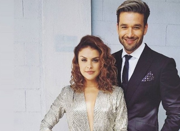 Isabela (Paloma Bernardi) e Ricardo (Sérgio Marone) vão se casar em 'Apocalipse' (Foto: Divulgação)