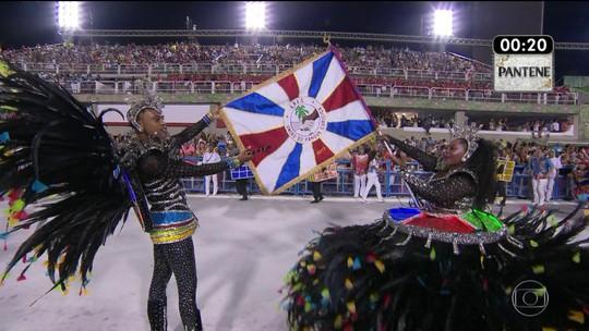 Marcinho e Shayene são o primeiro casal de mestre-sala e porta-bandeira da Parque Curicica
