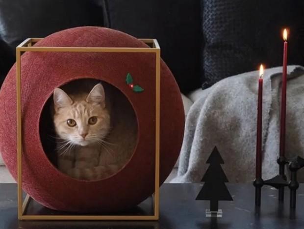 Marca francesa de móveis cria casulos coloridos para gatos (Foto: Reprodução/Instagram @meyou_paris)