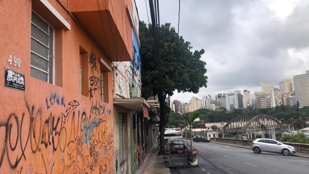 Rua Sapucaí deserta na terça-feira de Carnaval 2021, quando pandemia obrigou cidades a proibirem festas e aglomerações. — Foto: Marcelo Moreira / TV Globo