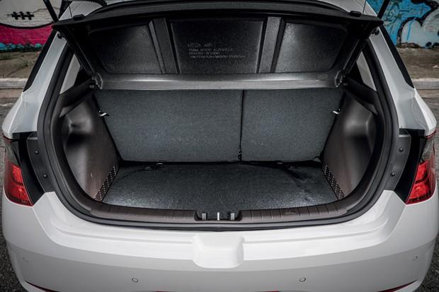 Comparativo: Hyundai HB20 X Onix (Foto: Raphael Munhoz / Autoesporte)