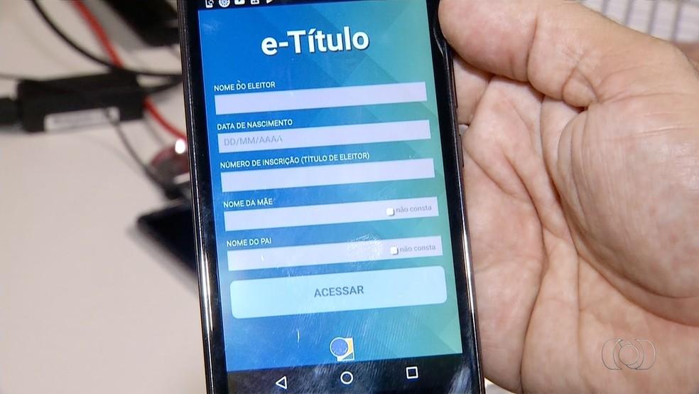 Título digital substitui título de papel na hora de votar (Foto: Reprodução/TV Anhanguera)