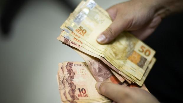 Dinheiro ; real ; inadimplência ; inflação ; contas a pagar ; dívida ; crédito ; salário mínimo ; IPCA ;  (Foto: Marcello Casal Jr/Agência Brasil)