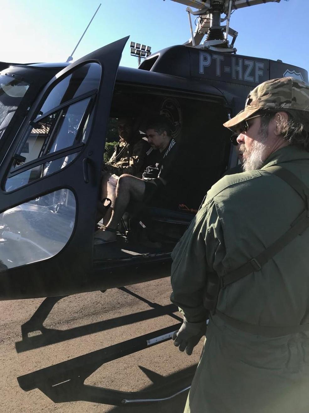 Expulsão do Piloto começou por volta das 5h e ele foi entregue por volta das 7h em território brasileiro — Foto: Ministério Público paraguaio/Divulgação
