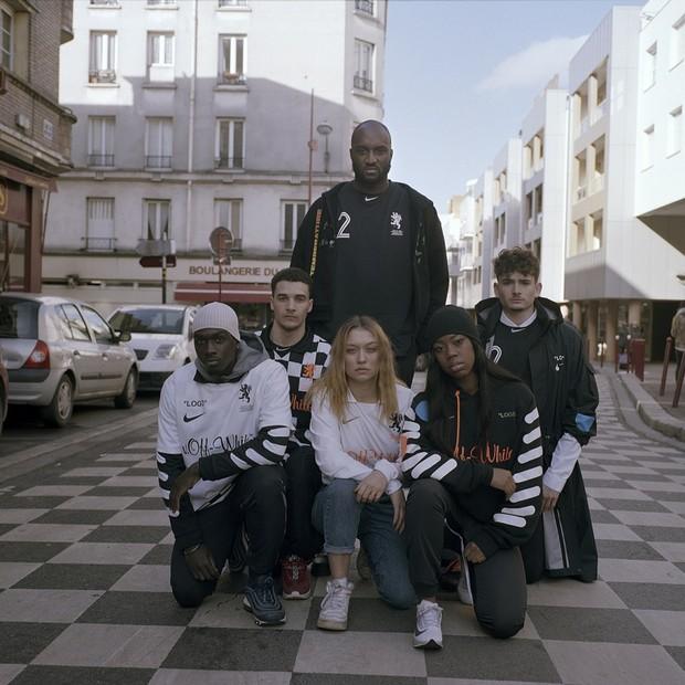 NikeLab em parceria com Virgil Abloh, da OFF-WHITE, e Kim Jones expressão o futebol a partir de duas perspectivas distintas (Foto: Divulgação)