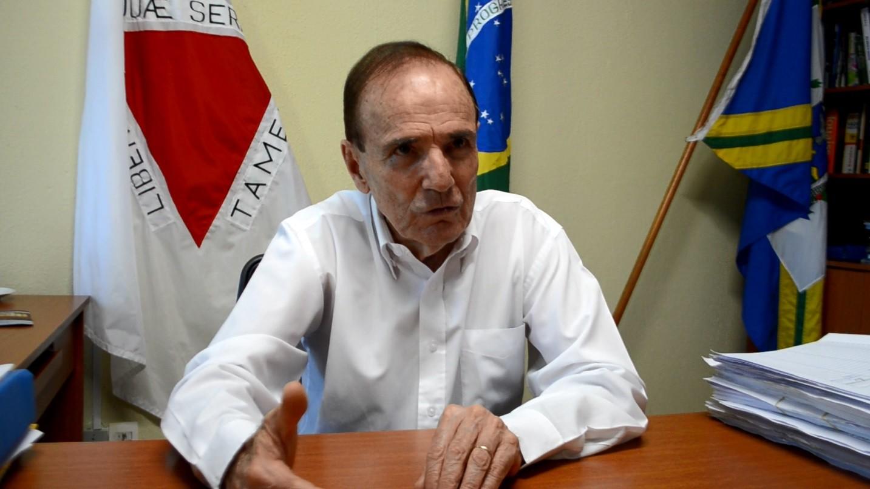 Decisão de abertura do comércio pesou para renúncia do prefeito, afirma vice