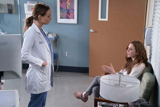 Camilla Luddington e Sarah Utterback em Grey's Anatomy (Foto: Divulgação)