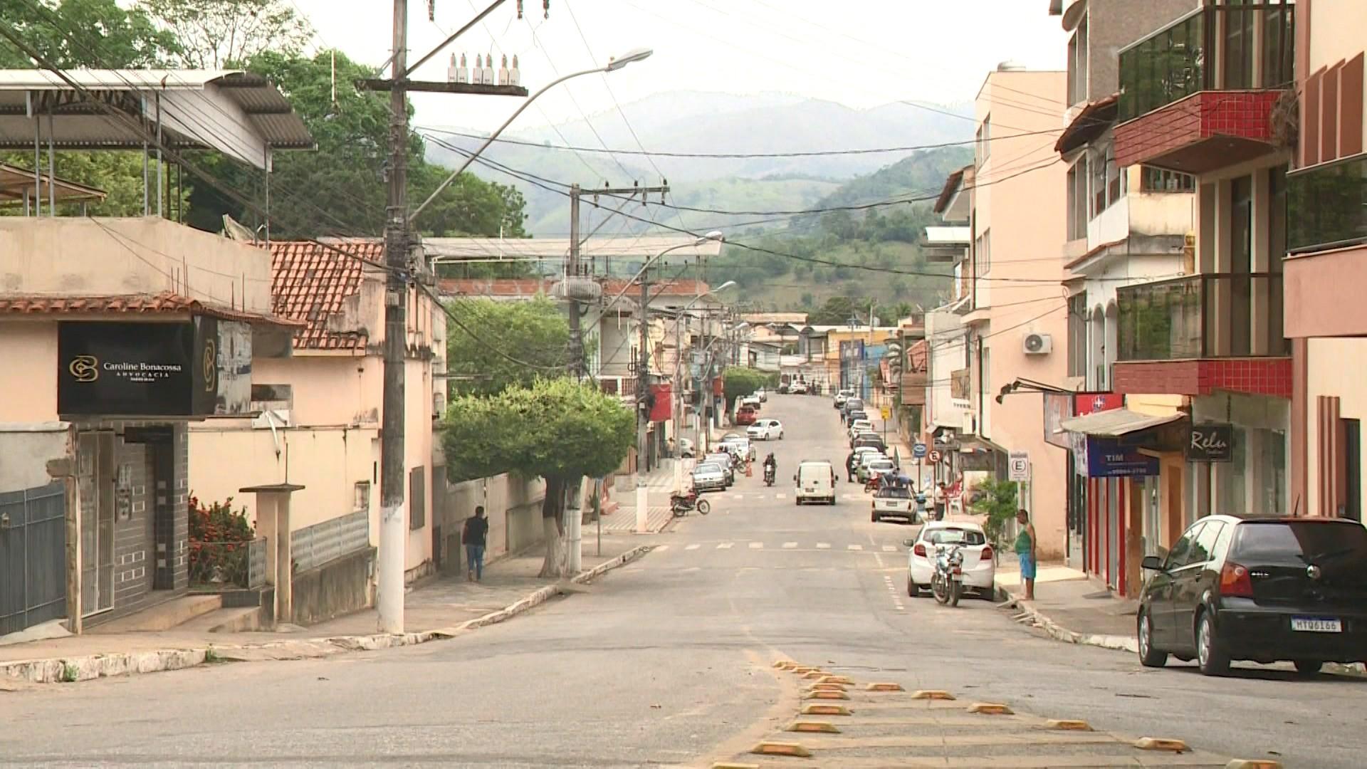 Mulher é presa após confessar ter matado taxista a facadas em Jerônimo Monteiro, ES