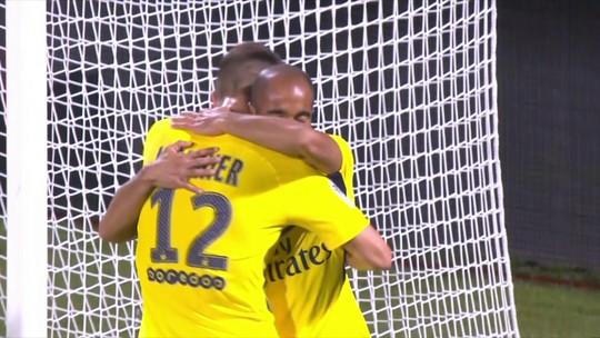 Lucas comemora gol em sua estreia na temporada e ressalta alto nível do PSG