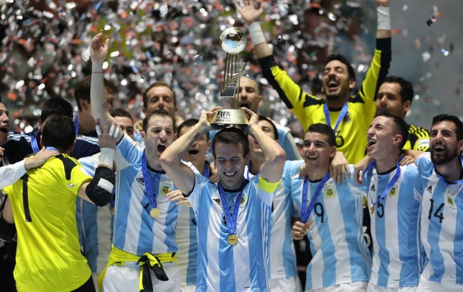 ... Argentina perde a chance de se tornar o 2º país a unificar Mundiais de  futebol e 3a2ac0320c330
