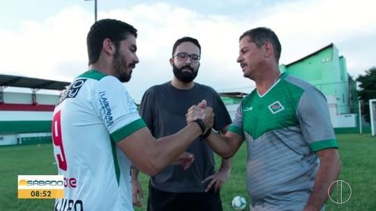 """""""Vai Encarar?"""" faz desafio de pontaria com Valdir Bigode, ídolo do Vasco e técnico da Cabofriense"""