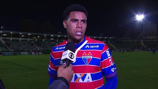 Gustavo comemora retorno com gol e vitória após 40 dias e revela bronca de Rogério Ceni