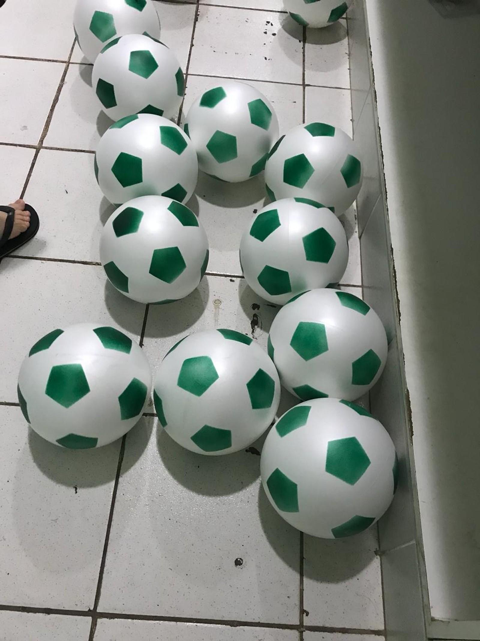 Bolas Verdes foi o presente para as crianças (Foto: José Serbino/ arquivo pessoal)