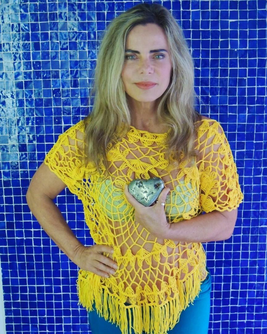 Bruna Lombardi: E aí, amados, será que vamos sofrer de novo até o finalzinho? O que vocês acham? Qual a aposta de placar pro jogo do Brasil hoje?⠀ Mesmo com todos os problemas que estamos enfrentando, na hora vamos torcer juntos! Super beijo e #vaibrasil!⠀ (Foto: Reprodução/Instagram)