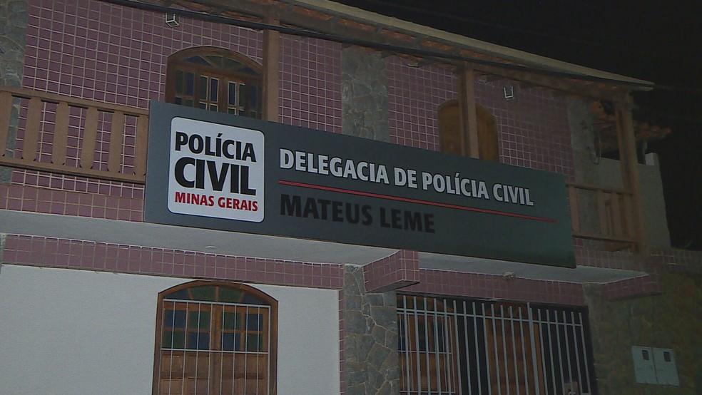 Suspeito foi ouvido na delegacia da Polícia Civil em Mateus Leme, na Grande BH — Foto: Reprodução/TV Globo