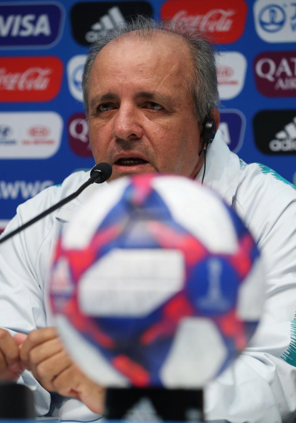Vadão, técnico da Seleção feminina — Foto: Reuters