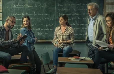 A segunda temporada de 'Segunda Chamada' chegou hoje ao Globoplay. O elenco da série contou para a coluna momentos marcantes das suas vidas relacionados com a educação. Confira a seguir:  TV Globo