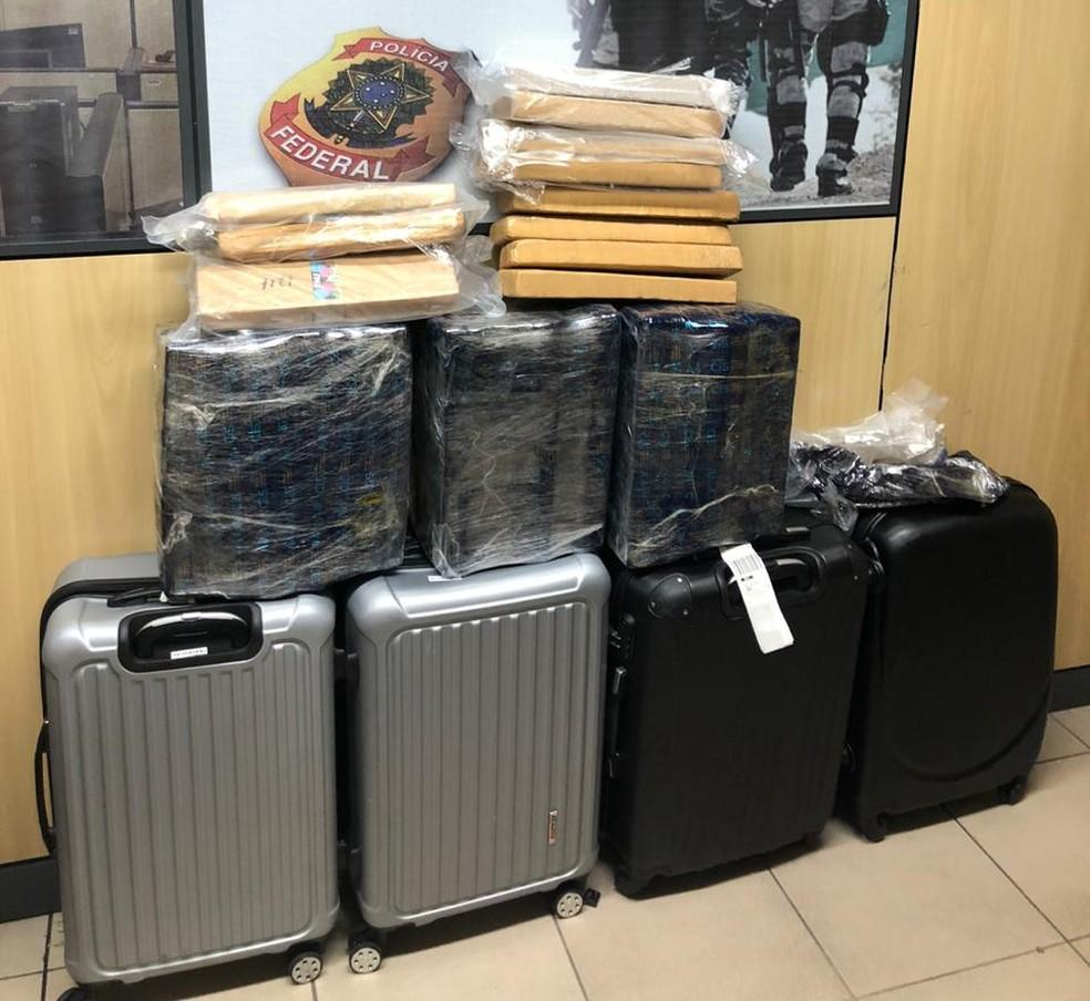 PF prendeu duas mulheres com quase 60kg de maconha nas bagagens no Aeroporto Internacional de Natal — Foto: Polícia Federal/Divulgação