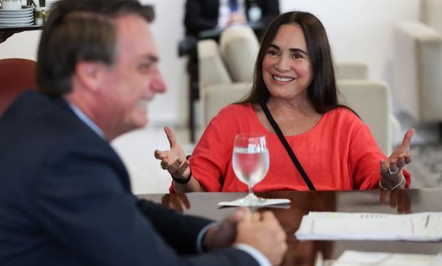 A atriz Regina Duarte em reunião com o presidente Jair Bolsonaro